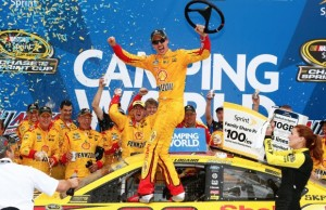 joey-logano-from-thechase-at-nascar-via-twitter-3-straight-win-620x400